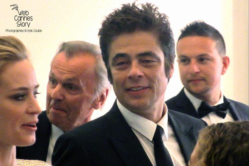 "Benicio Del Toro et Emily Blunt, lors la projection du film ""Sicario"" de Denis Villeneuve - Festival de Cannes 2015 - Photo © Raymond Haïk"