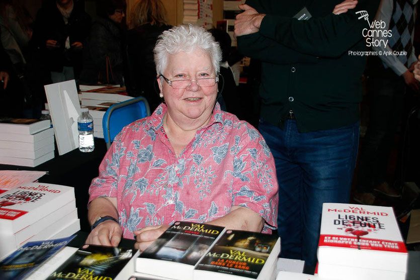 Val McDermid (Ecosse) - Quais du Polar 2015 - Lyon - Photo © Anik COUBLE
