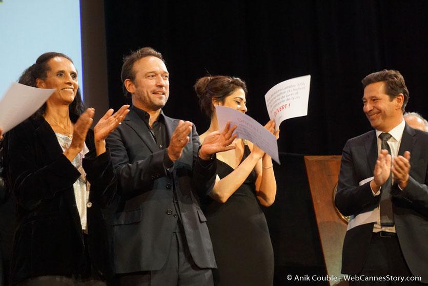 Les invités, sur la scène  de la Halle Tony Garnier - Cérémonie d'ouverture - Festival Lumière 2016 - Lyon - Photo © Anik Couble