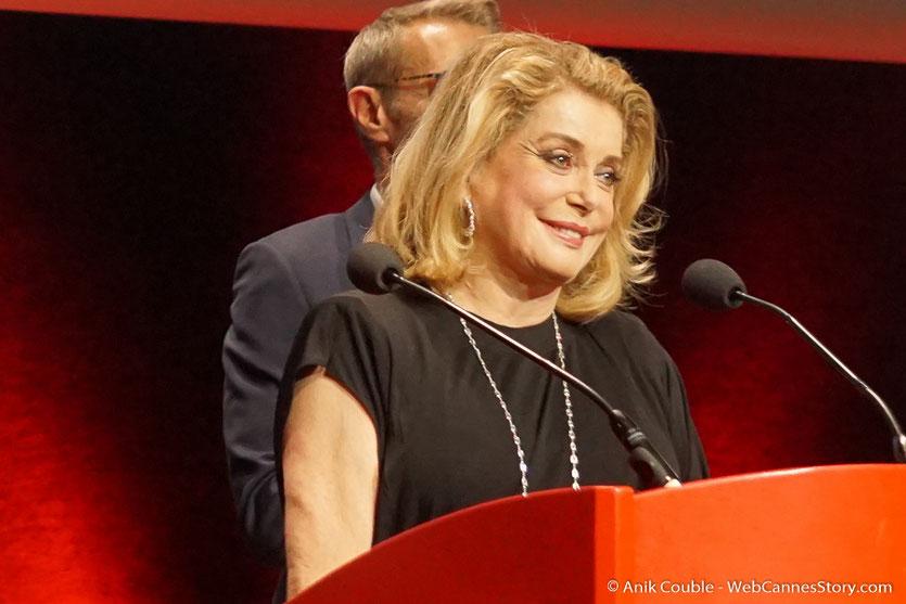 Catherine Deneuve - Cérémonie de remise du Prix Lumière - Amphitheâtre 3000 - Lyon - Oct 2016  - Photo © Anik Couble