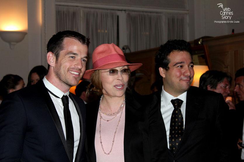 Arrivée de Fay Dunaway, au dîner donné en l'honneur de Jean-Paul Belmondo, au Carlton - Festival de Cannes 2011 - Photo © Anik Couble