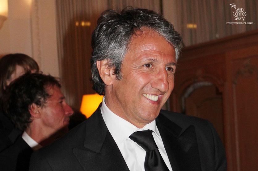 Arrivée de Richard Anconina, au dîner donné en l'honneur de Jean-Paul Belmondo, au Carlton - Festival de Cannes 2011 - Photo © Anik Couble