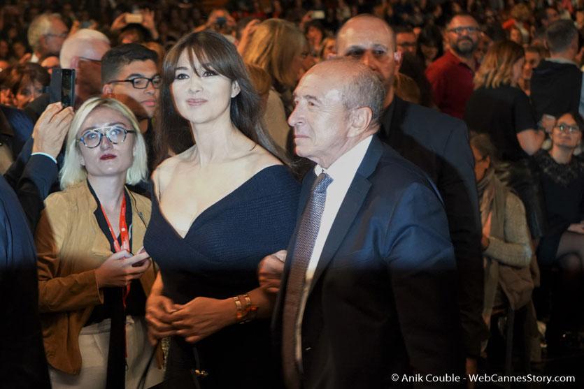 Gérard Collomb et Monica Bellucci, au milieu du public de la Halle Tony Garnier - Cérémonie d'ouverture - Festival Lumière 2016 - Lyon - Photo © Anik Couble