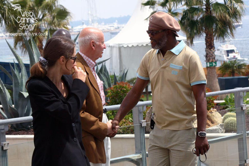 Gilles Jacob,  accueillant Samuel L Jackson - Festival de Cannes 2006 - Photo © Anik COUBLE