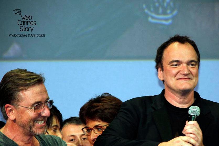 Tim Roth et Quentin Tarrantino,  sur la scène de la Halle Tony Garnier - Clôture du Festival Lumière - Lyon - 2013 - Photo © Anik COUBLE