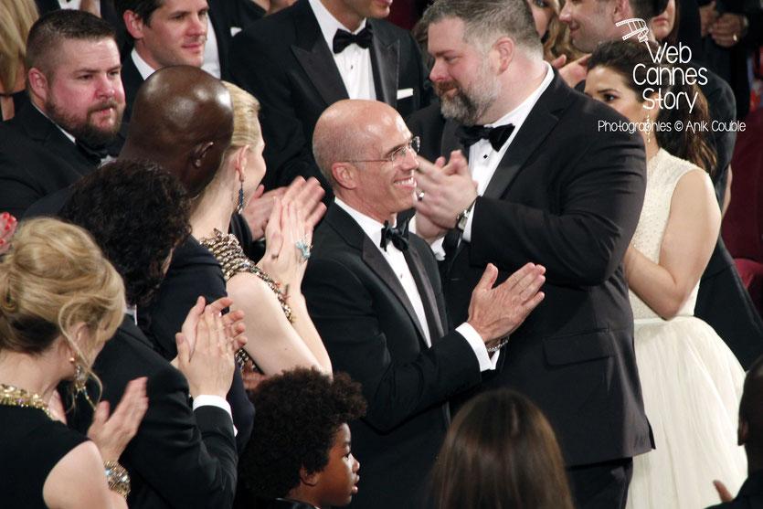 Jeffrey Katzenberg,  PDG de Dreamworks, applaudi par Cate  Blanchett et Dean DeBlois, à l'occasion des 20 ans de Dreamworks, fêté lors de la projection  de «Dragon 2»   réalisé par Dean DeBlois - Fest