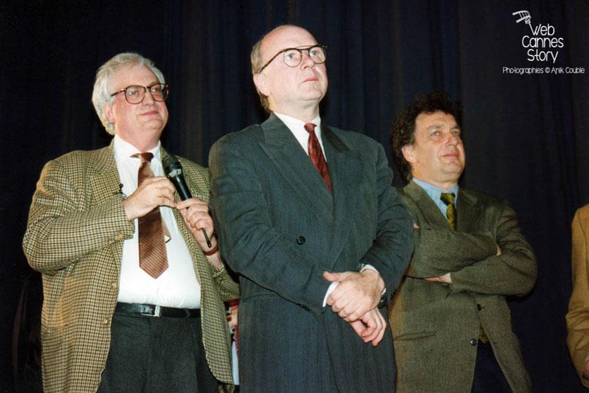 Bertrand Tavernier et Stephen Frears (GB) - Cérémonie du centenaire du Cinéma  - Lyon - 1995 © Anik COUBLE