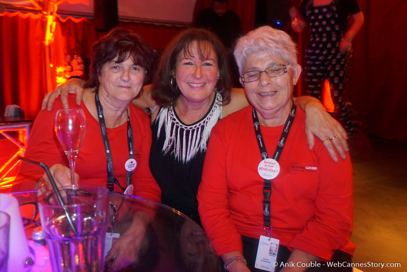 En compagnie de 2 sympathiques bénévoles, Ginette et Lola - Festival Lumière - Lyon - Octobre 2016 - Photo © Anik Couble