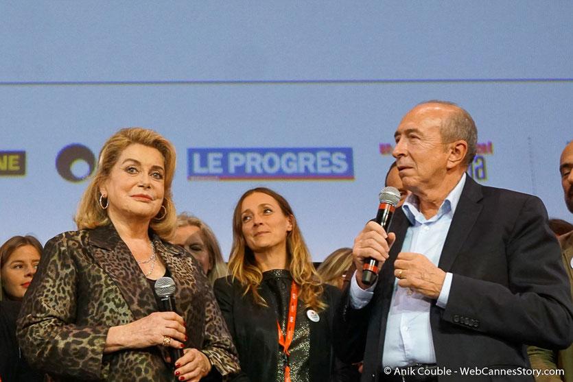 Catherine Deneuve et Gérard Collomb, lors de la cérémonie de Clôture du Festival Lumière 2016  - Halle Tony Garnier de Lyon - Photo © Anik Couble