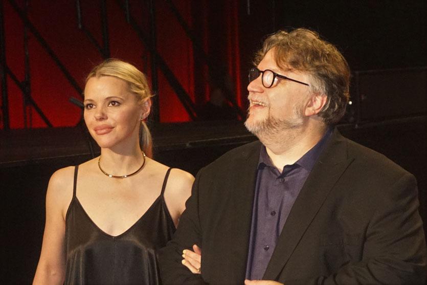 Guillermo del Toro et sa compagne Kim Morgan, sur le tapis rouge, lors de la cérémonie d'ouverture du Festival Lumière 2018 - Lyon - Photo © Anik Couble