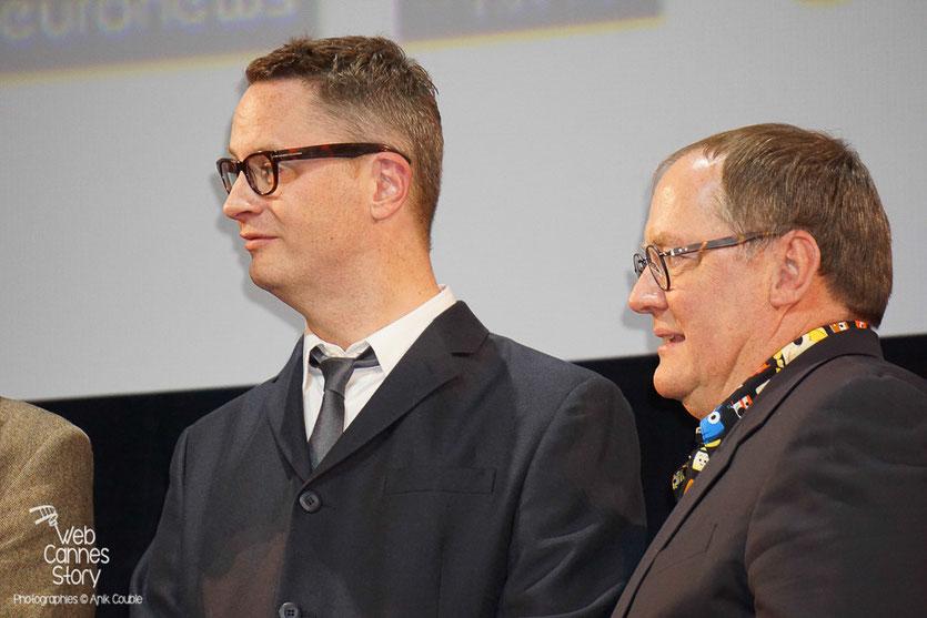 Nicolas Winding Refn et John Lasseter, lors de la cérémonie d'ouverture du Festival Lumière 2015 - Lyon - Photo © Anik COUBLE