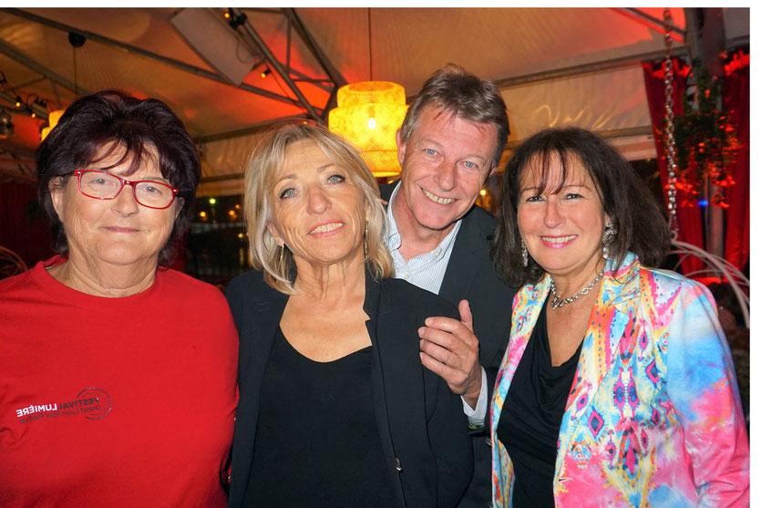 En compagnie de mes amis bénévoles, lors du Festival Lumière 2017,  à Lyon - Photo © Anik Couble