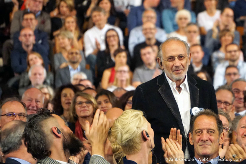 Jerry Schatzberg, photographe, réalisateur et scénariste américain, au milieu du public, lors de la cérémonie d'ouverture du Festival Lumière 2017 - Lyon - Photo © Anik Couble