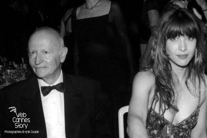 Gilles Jacob et Sophie Marceau, lors du dîner de clôture - Festival de Cannes 1999 - Photo © Anik COUBLE