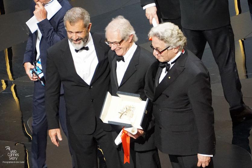 Ken Loach, Palme d'Or entouré de George Miller, Président du Jury et Mel Gibson - Festival de Cannes 2016 - Photo © Anik Couble