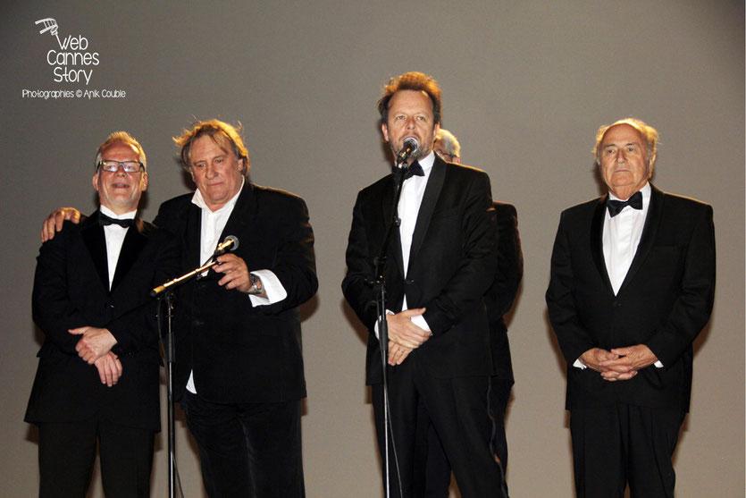 Thierry Fremaux, Gérard Depardieu, Frédéric Auburtin  et Sepp Blatter au Cinéma de la Plage, lors de la présentation film «United Passions» de  Frédéric Auburtin - Festival de Cannes 2014 - Photo © An