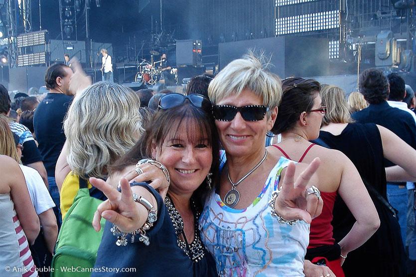 Au concert de Johnny Hallyday avec Kalou, ma meilleure amie - Lyon - Stade de Gerland - Juin 2012 © Anik Couble