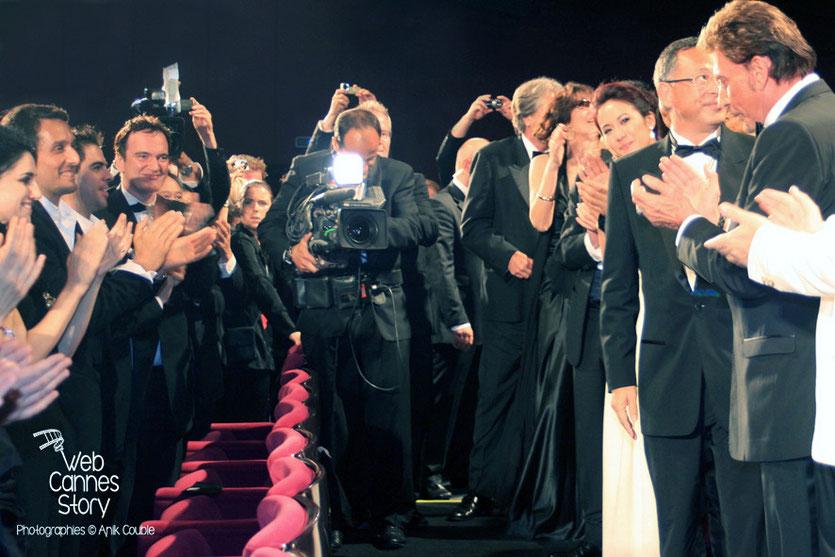 """Quentin Tarantino, dans le public, lors de la projection du film """"Vengeance"""" de Johnnie To - Festival de Cannes - 2009 - Photo © Anik COUBLE"""