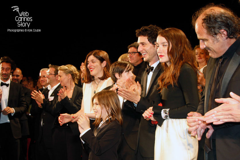 "Frédéric Pierrot, Anaïs Demoustier, Jérémie Elkaïm et Valérie Donzelli, lors la projection du film  ""Marguerite et Julien"" de Valérie Donzelli  -  Festival de Cannes 2015 - Photo © Anik COUBLE"