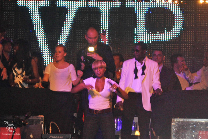 Mary J Blige, en concert au Vip Room - Festival de Cannes 2010 - Photo © Anik Couble