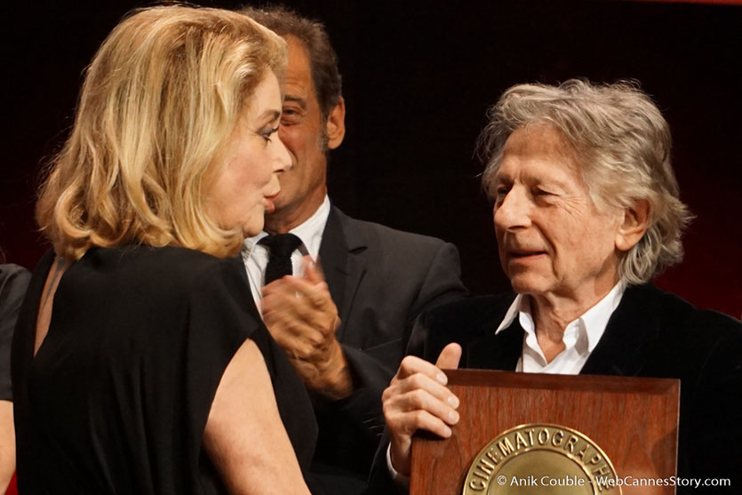 Roman Polanski remet le Prix Lumière à  Catherine Deneuve - Cérémonie de remise du Prix Lumière - Amphitheâtre 3000 - Lyon - Oct 2016  - Photo © Anik Couble