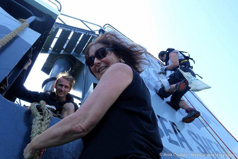 """A l'abordage du """"Sam Simon"""",  l'un des bateaux de la fondation Sea Shepherd - Festival de Cannes 2016 - Photo © Anik Couble"""