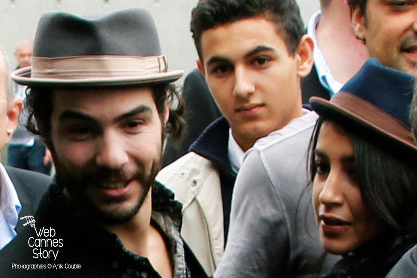 Tahar Rahim et Leila Bekhti, lors du remake de la sortie des usines Lumière - Festival Lumière - Lyon - Octobre 2013 - Photo © Anik COUBLE