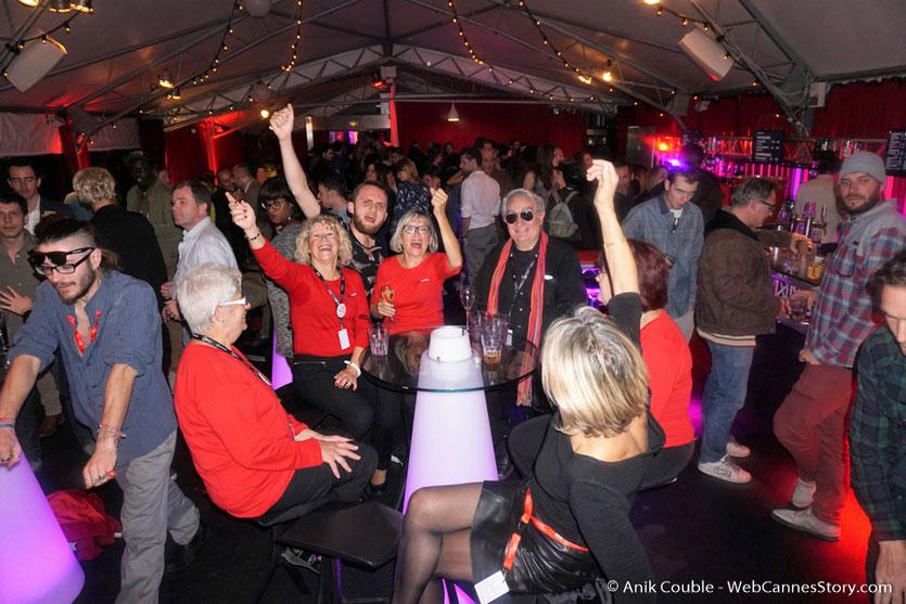 La très joyeuse soirée des bénévoles à La Plateforme, pour fêter la fin du  Festival Lumière 2016 - Lyon - Photo © Anik Couble