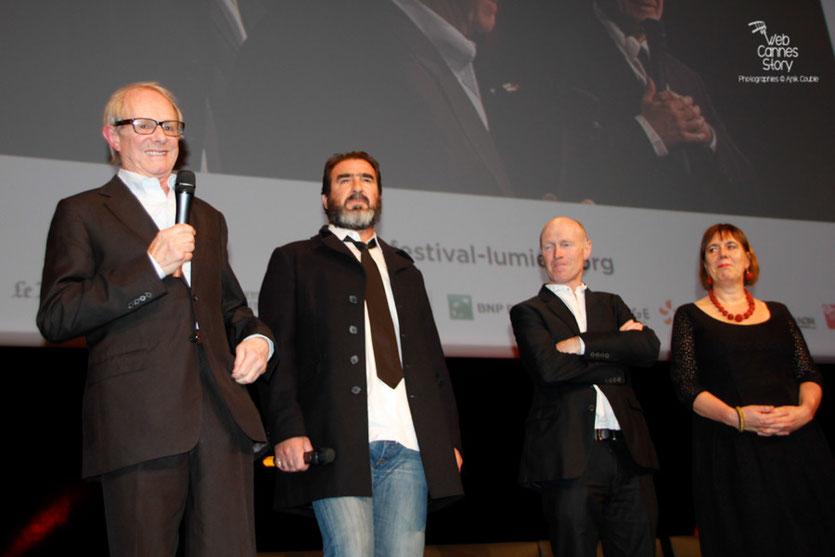 Ken Loach,  Eric Cantona,  Steve Evets et Rebecca O' Brien - Festival Lumière 2012 - Lyon - Photo © Anik Couble