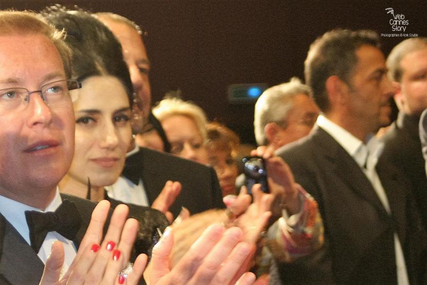"""Ronit Elkabetz, dans le public, lors de la projection du film """"Hors la loi""""  de Rachid Bouchareb - Festival de Cannes 2010 - Photo © Anik Couble"""