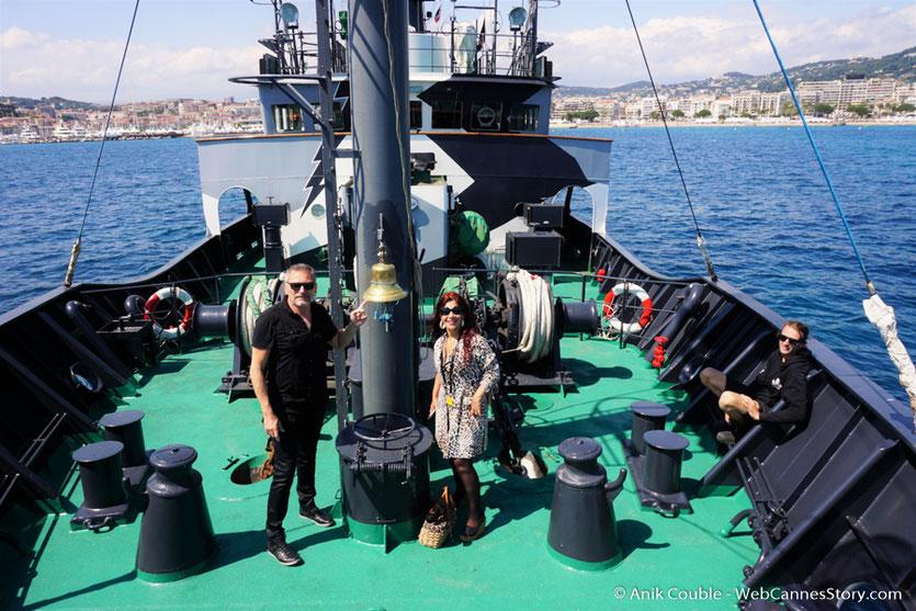 """A bord du """"Sam Simon"""" l'un des bateaux de la fondation Sea Shepherd, en compagnie d'Esméralda Petit Benito et Serge Mauro - Festival de Cannes 2016 - Photo © Anik Couble"""