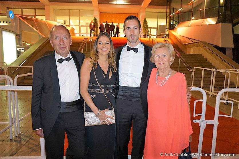 Max Lefrancq Lumière, en compagnie de son épouse Michèle, de son petit fils, Cédric et de sa petite amie  Karine - Festival de Cannes 2016 - Photo © Anik Couble