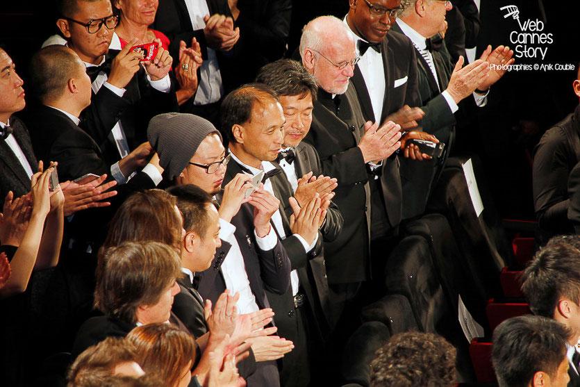 """Le public du film """"Mountains Bay Depart"""" de Jia Zhang-Ke, dont le réalisateur japonais de Hirokazu Kore-Eda - Festival de Cannes 2015 - Photo © Anik COUBLE"""