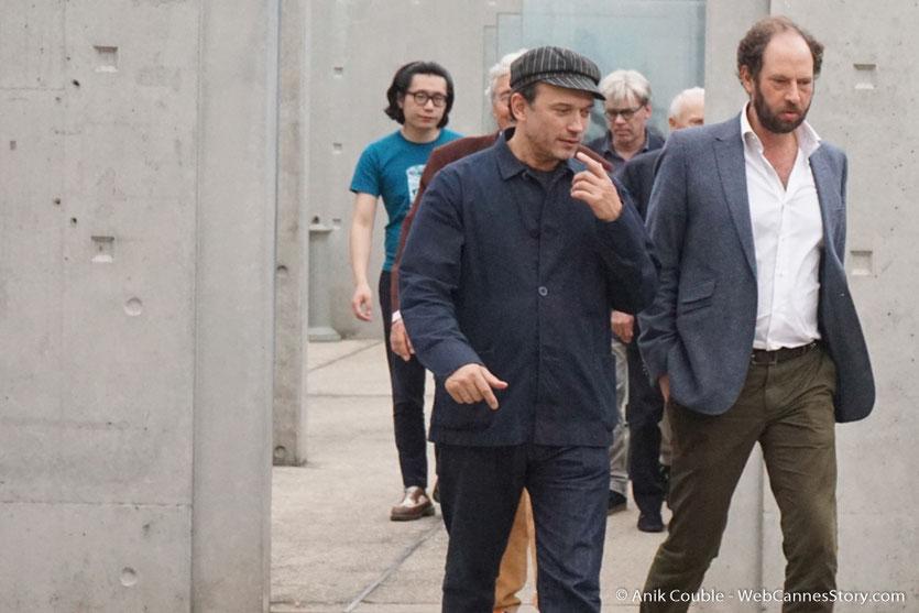 Bertrand Tavernier,lors du tournage, du remake de la Sortie des Usines Lumière, dirigé par Wong Kar-wai - Festival Lumière 2017 -  Lyon - Photo © Anik Couble