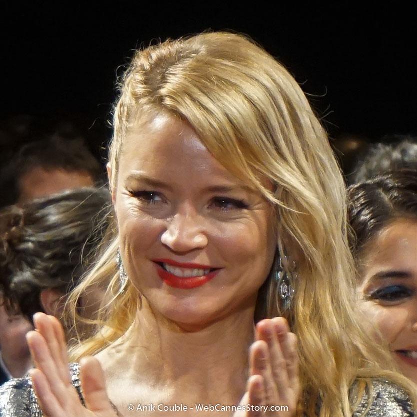 Virginie Efira, lors de la projection du film, de Gilles Lellouche, Le grand bain, présenté, le 13 mai 2018, hors compétition - Festival de Cannes 2018 - Photo © Anik Couble