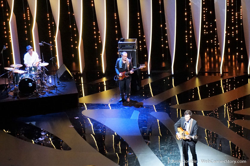 Viannay et Manu Katché,  sur la scène du Palais des festivals, pour célébrer les 70 ans du Festival de Cannes - Festival de Cannes 2017 - Photo © Anik Couble