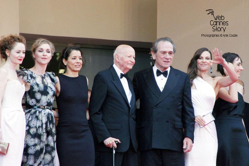 L'équipe du film «The Homesman» réalisé par Tommy Lee Jones, lors de sa présentation au Festival de Cannes 2014 - Photo © Anik COUBLE