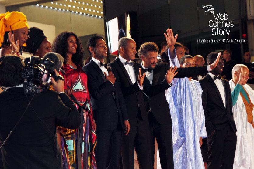 """Montée des marches de l'équipe du film """"TIMBUKTU"""" d'Abderrahmane Sissako - Festival de Cannes 2014 - Photo © Anik COUBLE"""