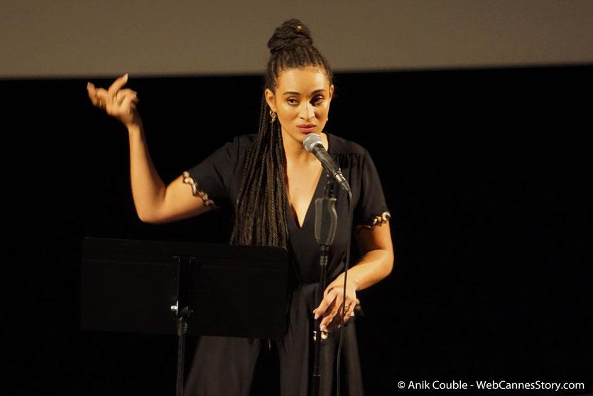 Camélia Jordana, lors de son concert, consacré aux chansons du répertoire du cinéma français, lors du Festival  Lumière 2018 - Lyon - Photo © Anik Couble
