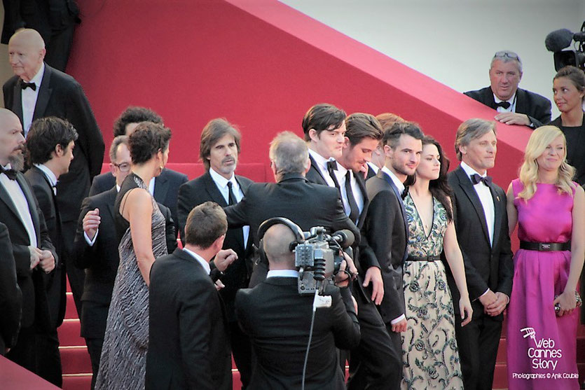 "L'équipe du film ""On the road "" de Walter Salles avec Garrett Hedlund, Sam Riley, Kristen Stewart, Kirsten Dunst, Viggo Mortensen - Festival de Cannes 2012 - Photo  © Anik Couble"