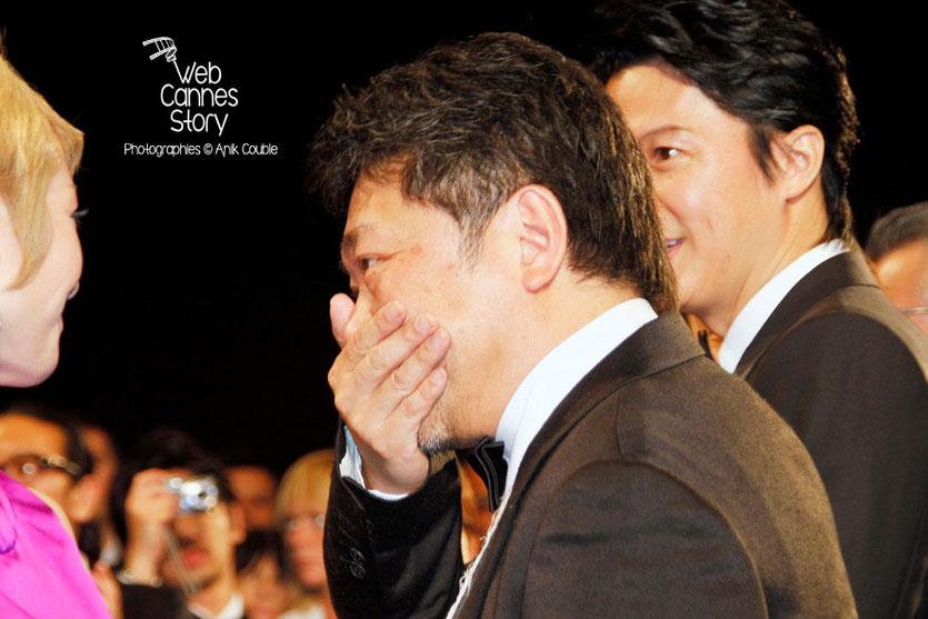 """Kore-Eda Hirokazu, le réalisateur du film japonais """"Tel père, tel fils"""" - (très ému) - Festival de Cannes 2013 - Photo © Anik COUBLE"""