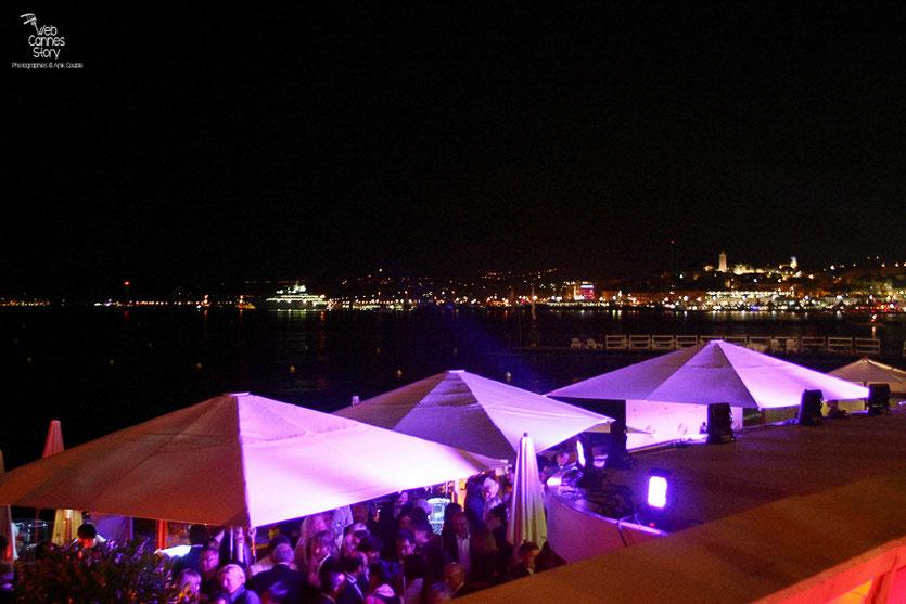 """La soirée du film """"Outrage"""" de Takeshi Kitano - Plage du Martinez - Festival de Cannes 2010 - Photo © Anik Couble"""