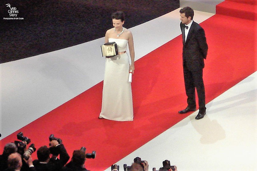 Juliette Binoche,  Prix d'interprétation féminine  et Guillaume Canet - Festival de Cannes 2010 - Photo © Anik Couble