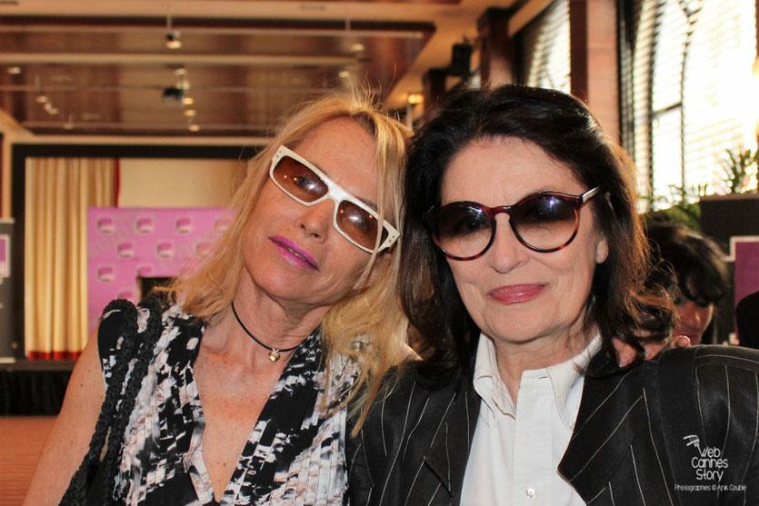 Anouk Aimé et Laure Adler, lors de la remise des Prix France Culture Cinéma à Alexandre Astruc et Céline Sciamma - Festival de Cannes 2011 - Photo © Anik Couble