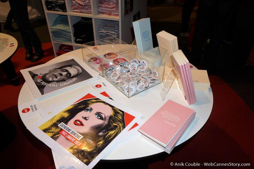 La boutique du village du festival - Festival Lumière 2016 - Lyon - Photo © Anik Couble