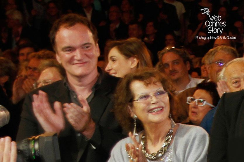 Quentin Tarantino et Claudia Cardinale, lors de l'hommage à Jean-Paul Belmondo - Festival Lumière - Lyon - Oct 2013 - Photo © Anik COUBLE