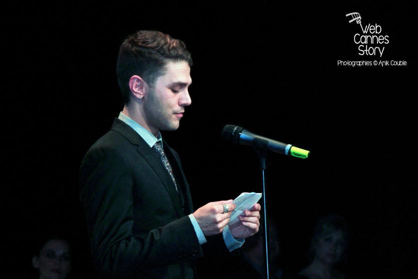 Xavier Dolan, lors de la remise du Prix Lumière à Pedro Almodovar - Festival Lumière - Lyon - Oct 2014 - Photo © Anik COUBLE
