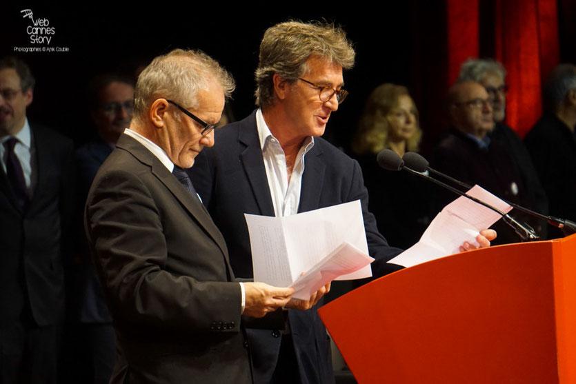 Thierry Frémaux et François Cluzet, Remise du Prix Lumière à Martin Scorsese - Festival Lumière - Lyon - Oct 2015 - Photo © Anik COUBLE