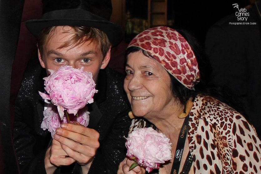 Henry  Hopper, très complice avec Pascaline, la célèbre femme panthère - Festival de Cannes 2011 - Photo © Anik Couble