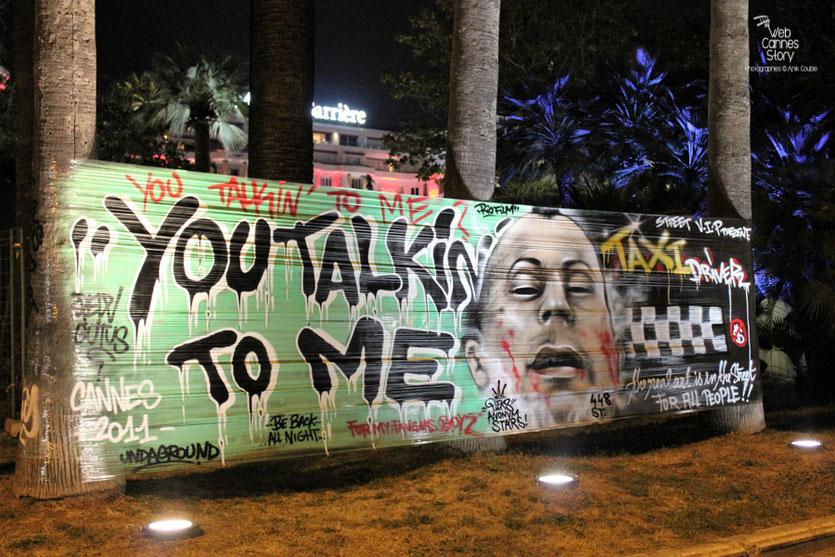 Street Art dans Cannes,  en hommage à Robert De Niro, Président du Jury - Festival de Cannes 2011 - Photo © Anik Couble